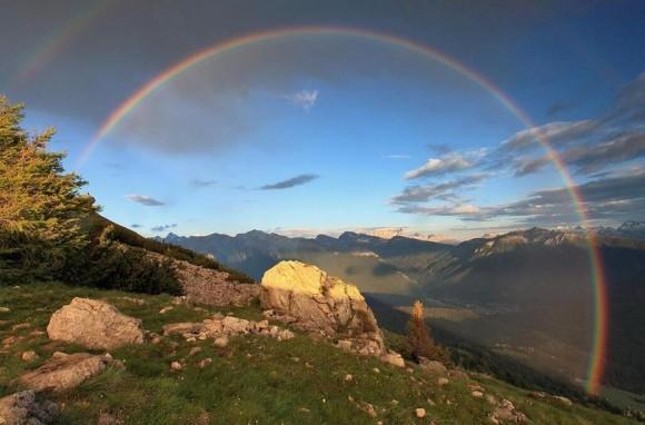 Dibujo20131202 Desde zonas altas se logra ver el arcoíris con un arco mayor que el semicírculo - Foto ilustrativa- divulgame_net