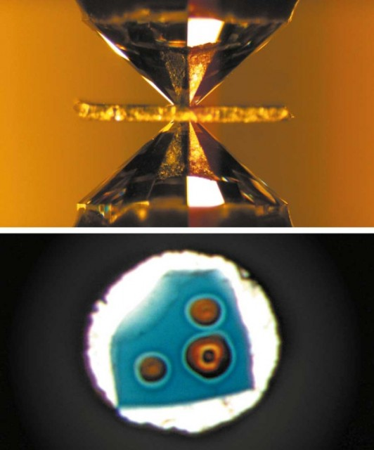 Dibujo140227 compressed between tips of diamonds in an anvil cell - crystal transform into perovskite by laser heating - nature com