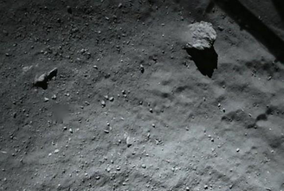 Dibujo20141112 ESA Philae - rosetta - surface during the lander approach OSIRIS NAC Farewell Philae - esa