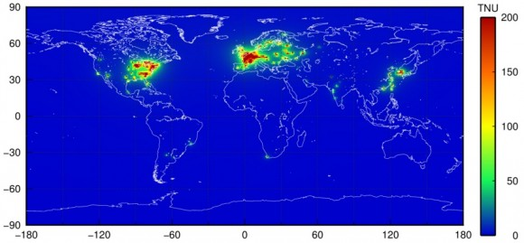 Dibujo20150217 map worldwide predicted antineutrino signals from nuclear power plants - arxiv org