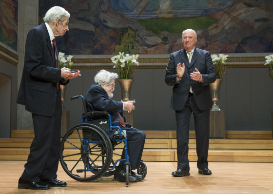 Dibujo20150524 john Nash and Louis Nirenberg receives the 2015 Abel Prize from His Majesty King Harald - V Photo NTB Scanpix