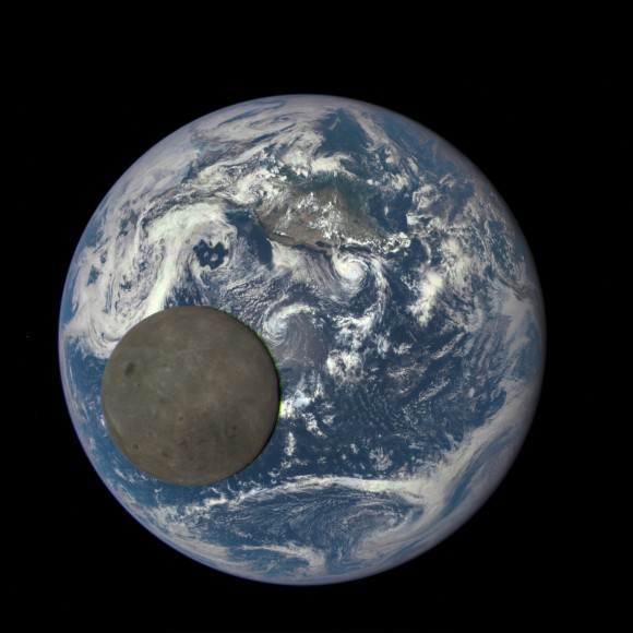 Dibujo20150805 epic earth moon still - nasa gov