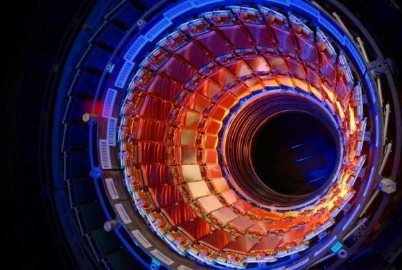 Dibujo20151101 CERN LHC First half of CMS inner tracker barrel