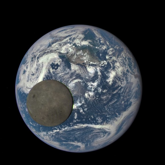 Dibujo20151128 earth moon still epic dscovr nasa